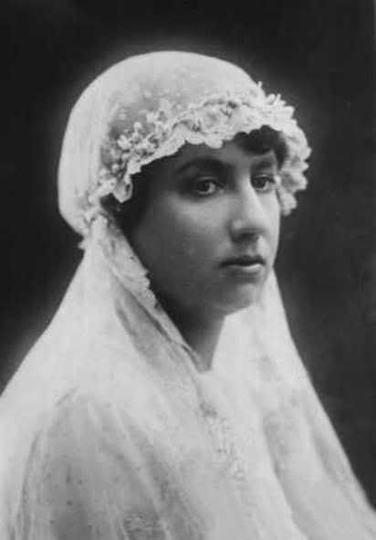 Boda SAR doña Isabel Alfonsa y el conde Zamoyski - Página 2 190420Isabel20Alfonsa-01Janzamoyski
