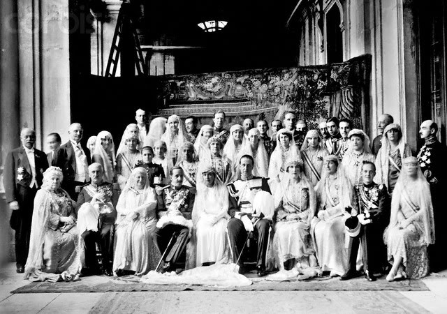 Boda SAR doña Isabel Alfonsa y el conde Zamoyski - Página 2 1grupoclaro
