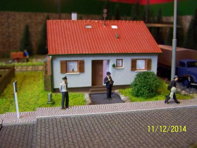 Eine kleine Anlage für große und kleine Kinder in der Spur H0 100_8779_zps8f15838e