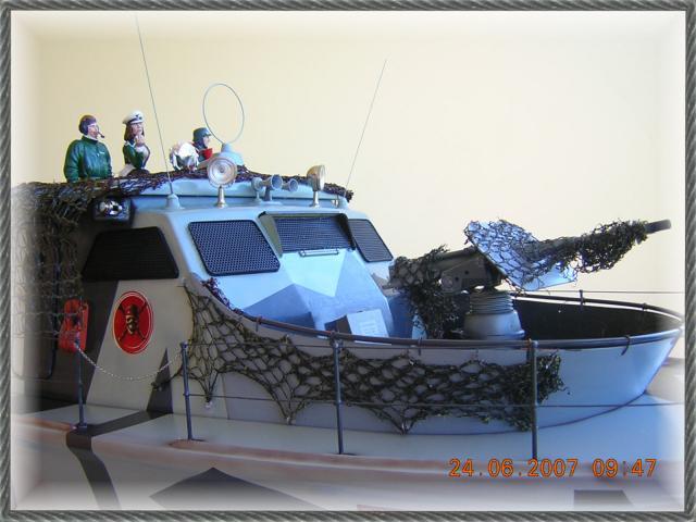 Wie man ein häßliches Schiff baut - die Geschichte der Bad Pooh DSCN1217_zps0c5494d3