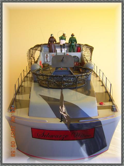 Wie man ein häßliches Schiff baut - die Geschichte der Bad Pooh DSCN1232_zps687b85af