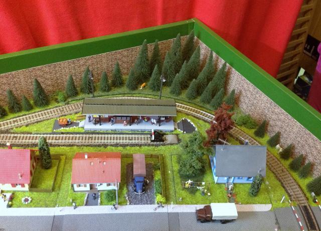 Eine kleine Anlage für große und kleine Kinder in der Spur H0 Foto33_zpsb19bee4e