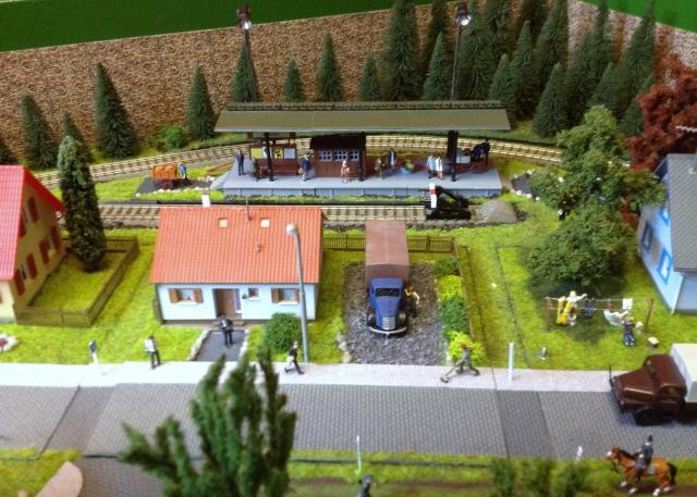 Eine kleine Anlage für große und kleine Kinder in der Spur H0 Foto5_zpseee218b3