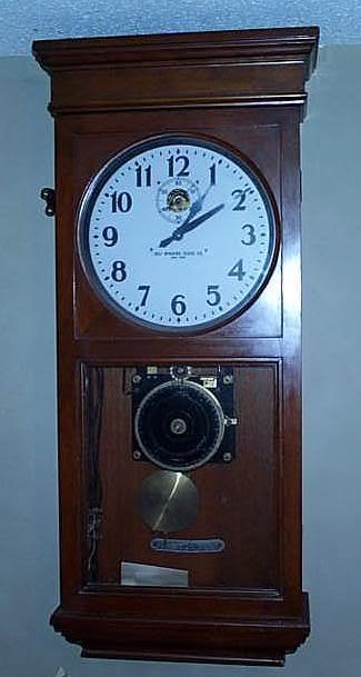 Self Winding Clocks 18cherryfront