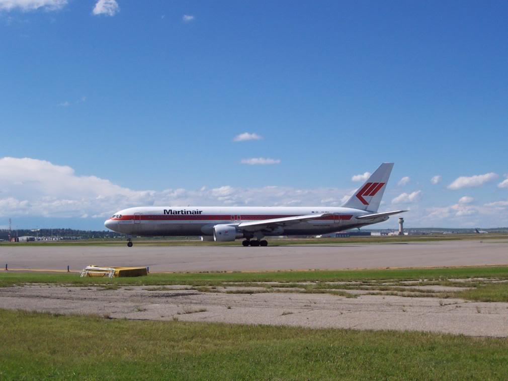 Calgary International (YYC / CYYC) 100_1966
