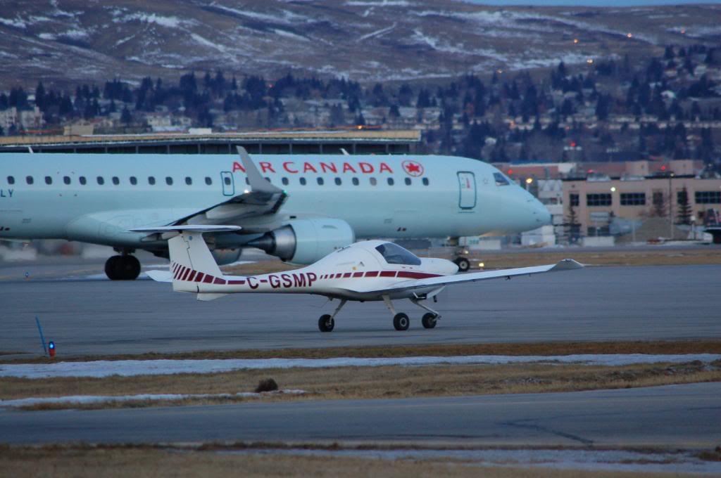 Calgary International (YYC / CYYC) DSC_0021