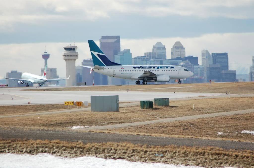 Calgary International (YYC / CYYC) DSC_0129