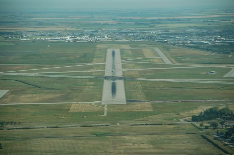 Winnipeg James Armstrong Richardson International Airport (YWG / CYWG) DSC_7395