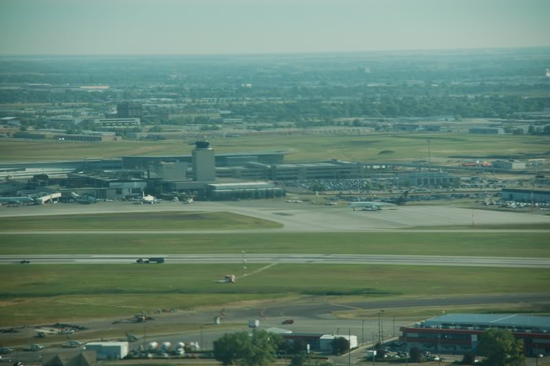 Winnipeg James Armstrong Richardson International Airport (YWG / CYWG) DSC_7396