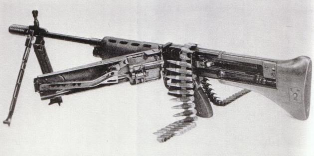 la mg 42,sont utilisation durent la seconde guerre. FG42M60