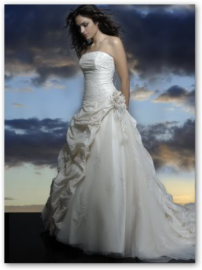 Dark Alley - Page 4 Wedding_dress