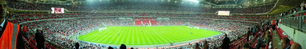 Estadio Wembley, Inglaterra (90.000 Personas) Wembley_Panorama_3
