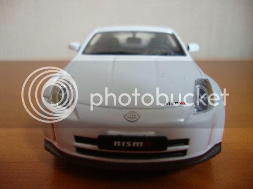 J-Collection en 1:43 Nissan350Z002