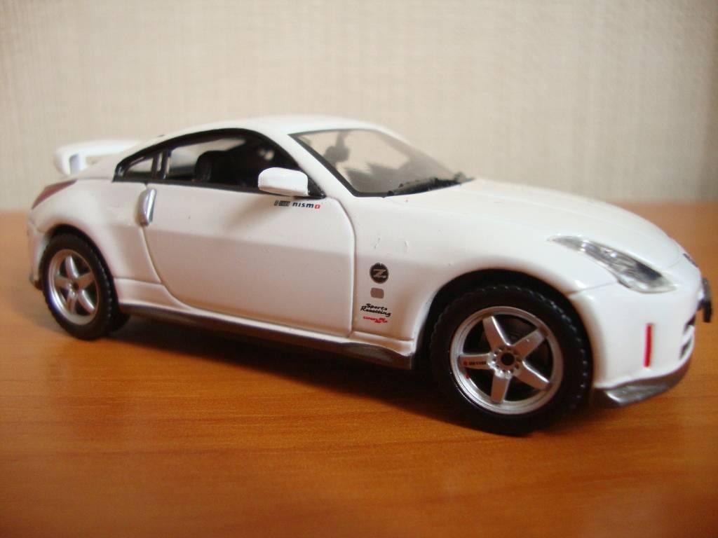 J-Collection en 1:43 Nissan350Z003