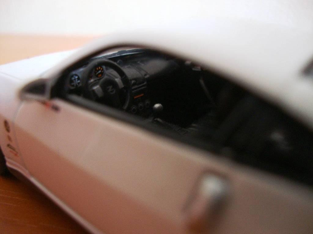 J-Collection en 1:43 Nissan350Z004