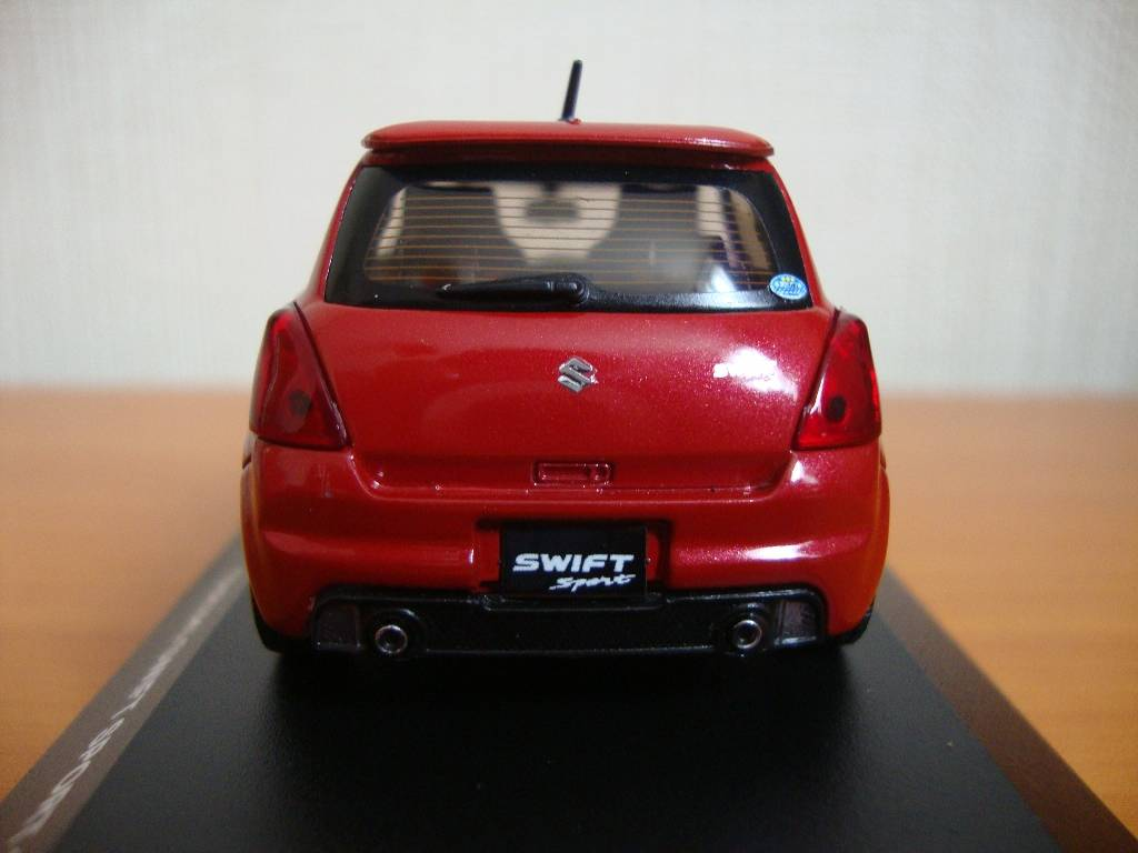 J-Collection en 1:43 SwiftSport006