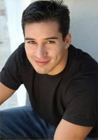 GORGEOUS MALE HOSTS IN BEAUTY PAGEANTS Mario-Lopez-Biography-2