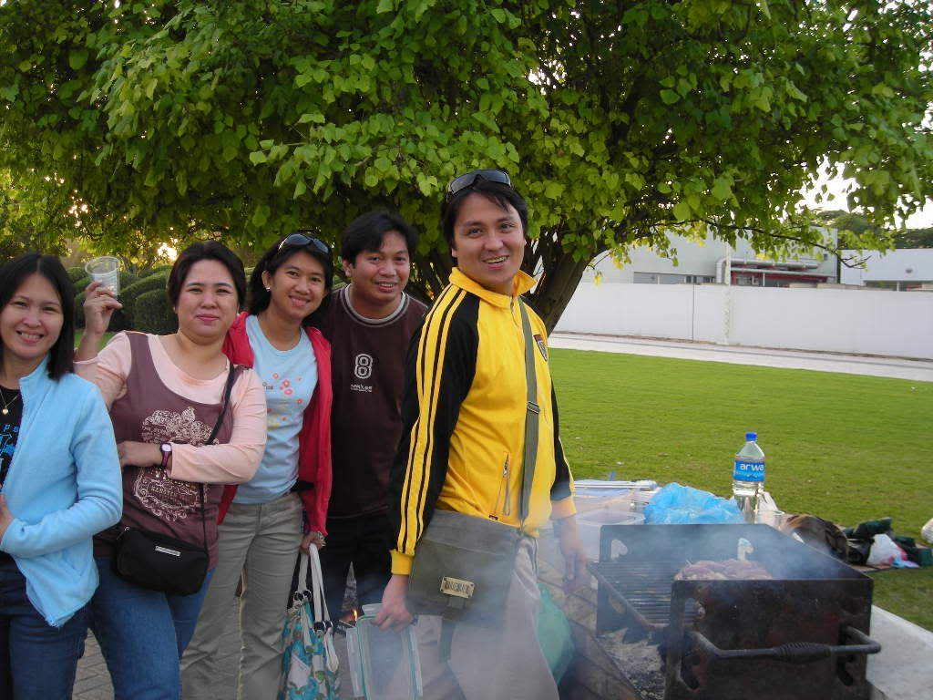reunion namin last year, holycrossians in dubai DSCN0008