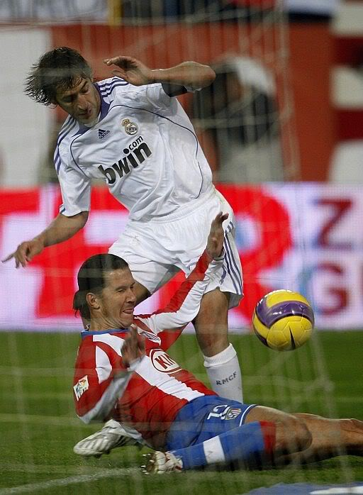 La Liga, 20. krog - Atlético(M) v. Real Madrid (20.01. 2007) Atm-rma4