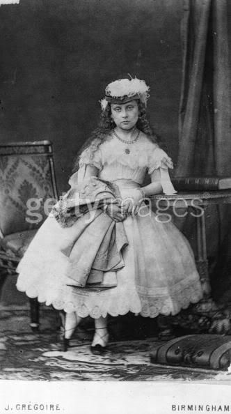 Reina Victoria - Página 10 Beatrice1867