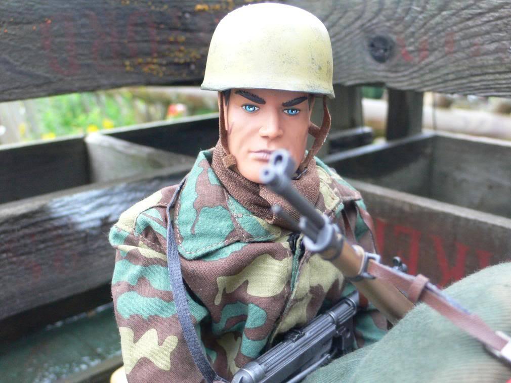 Sparklebudgie MaM Army - Page 2 Mamsidecar010