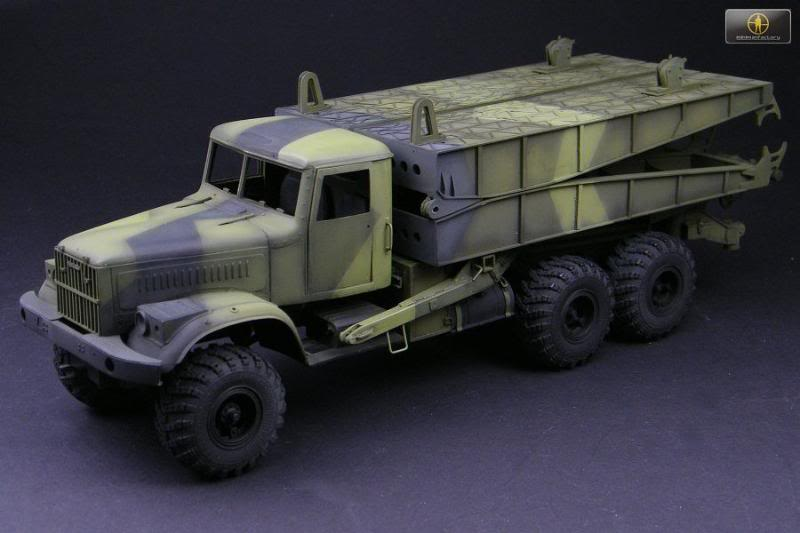 KRAZ-255B TMM-3 bridgelayer chez Miniman Factory  10