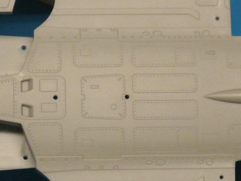 [Revue de kit] - Kinetic - Mirage 2000 B/D/N faite  par OST  Textes et photos KIN-K48032_Mirage2000BDN_G-B-detail