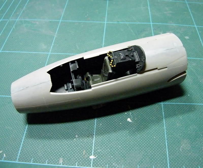Montage Hawker-Hunter FGA.9 - Revell  1/32 - Mise à jour Du 14/03/2012 MontageDuHawker-HunterFGA-9-Revell1-320022
