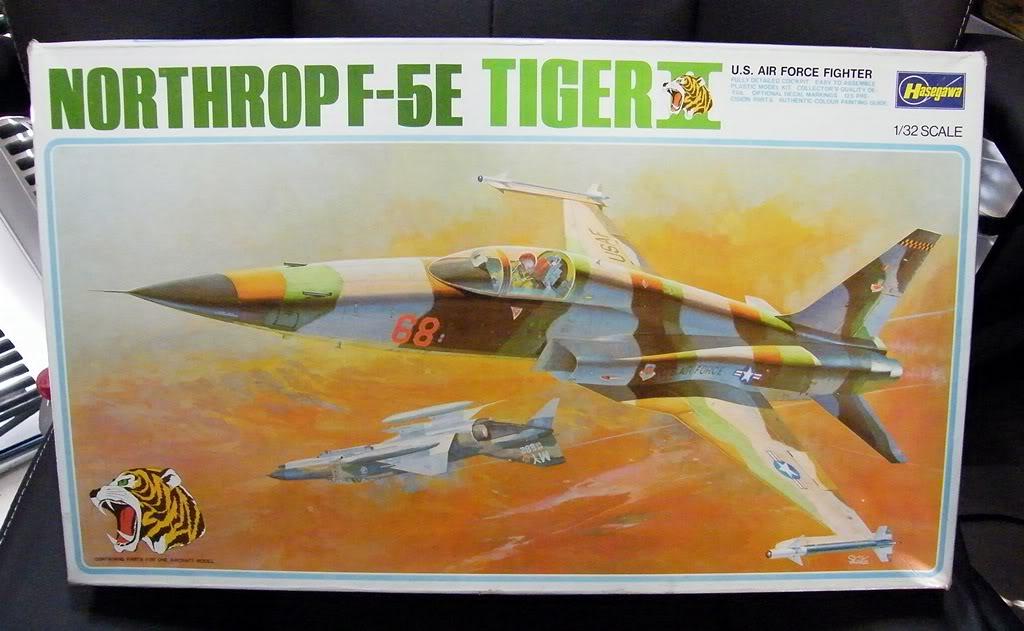 Montage F-5E Tiger II Hasegawa Échelle 1/32  NorthropF-5ETIGERIIHasegawa1-32