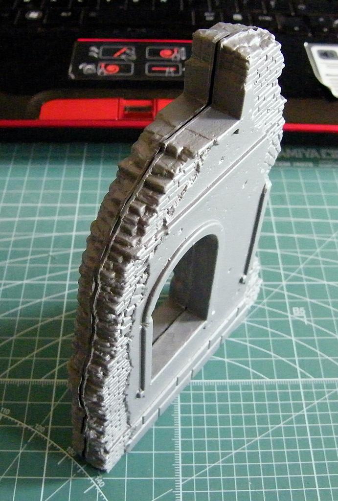 Montage d'une maison en ruine Miniart  DSCF3416