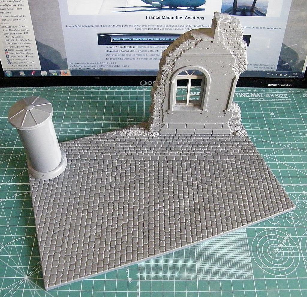 Montage d'une maison en ruine Miniart  DSCF3552