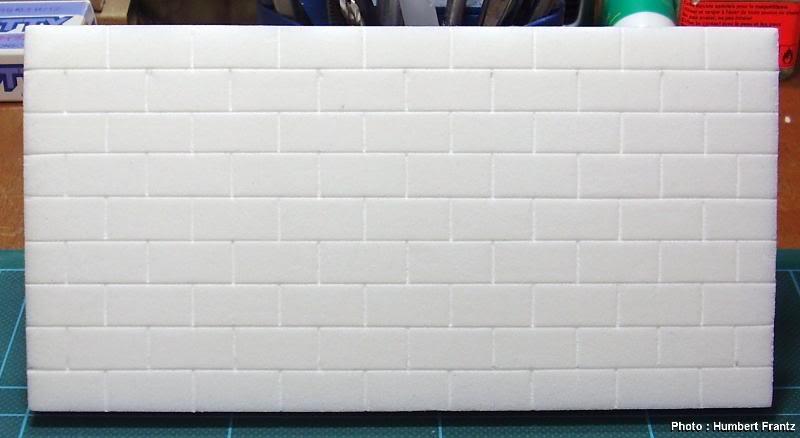 Fabriquer un Mur en Parpaing en Carton Plume P10300072