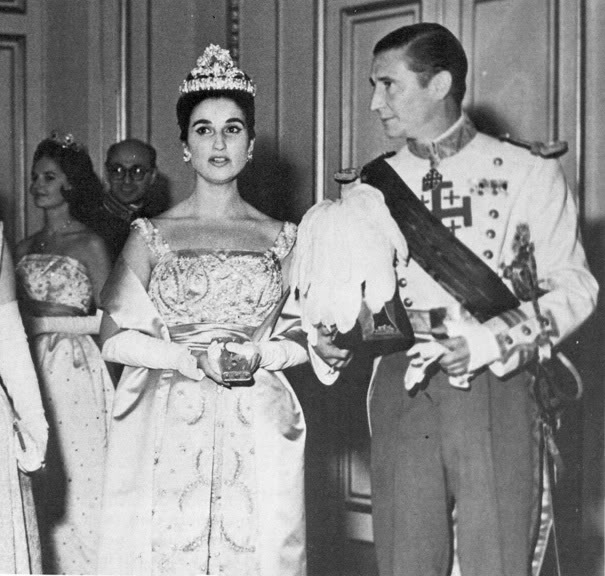 Fiestas y bailes anteriores a una boda real by Manuesevilla - Página 8 CarmenFranco-1