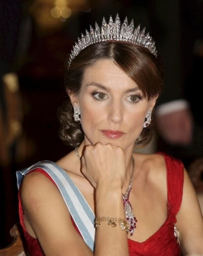 Casa Real de España - Página 10 Letiziamontaje03