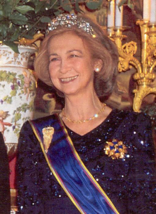 Casa Real de España - Página 6 SofiaBrocheFranco.01