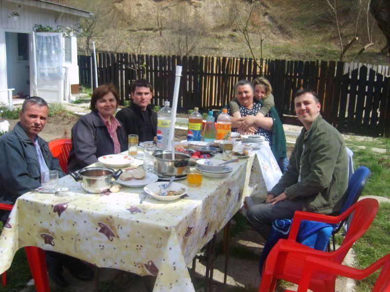 Reuniune de familie - Pagina 2 S8302091