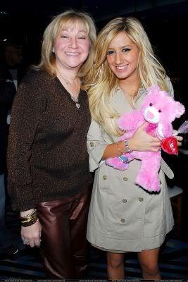 Ashley sa mamom Normal_hq004-3