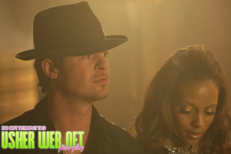 "Behind the Scenes: ""Love in this Club"" 104"