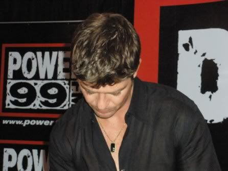 Robin thicke @ Power 99 FM !!!Sweetest Love Live Performance ThumbCACXALLN2