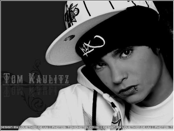 o meu tommy.... tao fofo......... Tom-Kaulitz