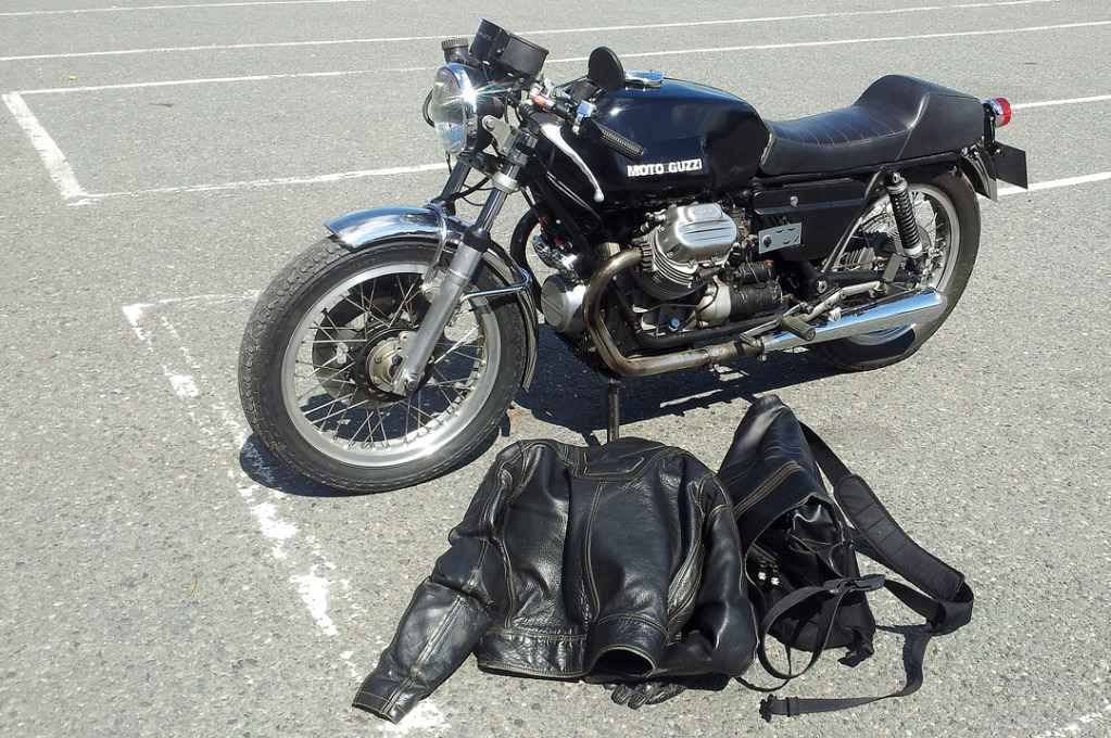 Moto Guzzi 850 - 1974 20120726_120019-W1080