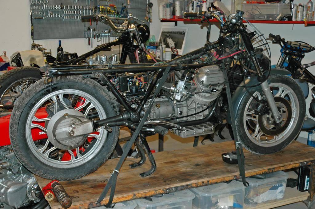 Moto Guzzi SP 1000 - 1983 - Page 2 DSC_0072-W1080_zpsb6d91a8f