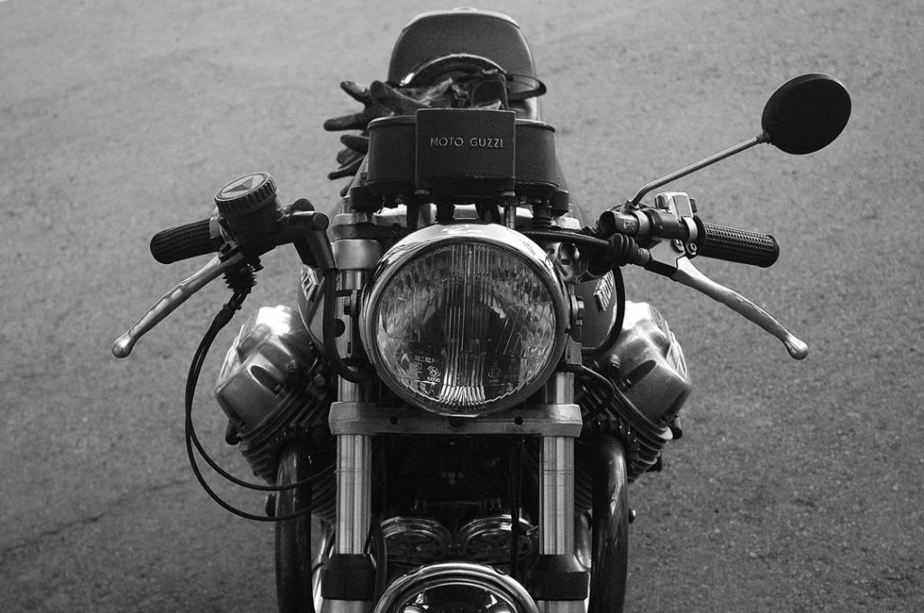 Moto Guzzi 850 - 1974 DSC_0103-BW-W1080_zps6cfc5c19