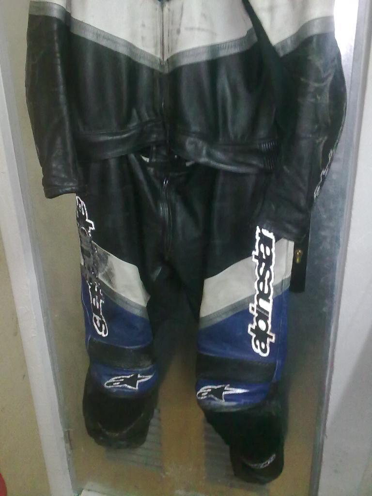vendo / cambio monos y chaqueta 09092012495