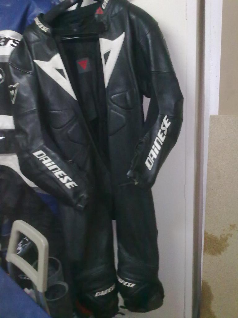 vendo / cambio monos y chaqueta 27102012557
