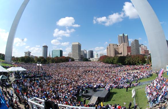 Obama devant une foule de 100.000 personnes dans le Missouri Gall.stlouis.cnn