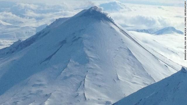 Fortes tensions sur la plaque Pacifique, séismes au Kamtchatka et éruptions volcaniques en alaska 130515020908-pavlof-volcano-story-top
