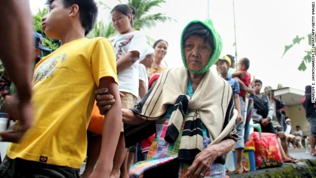 'Worse than hell' in typhoon-ravaged Philippines  131107142605-01-typhoon-1107-horizontal-gallery