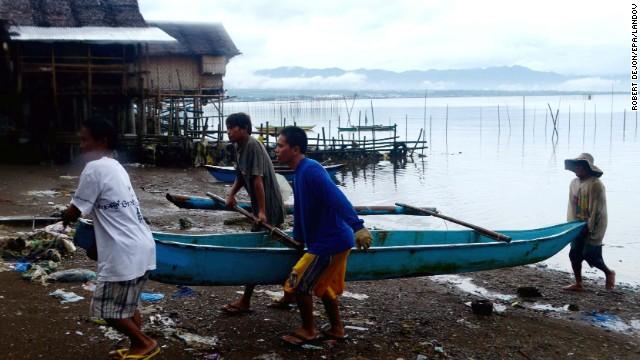 'Worse than hell' in typhoon-ravaged Philippines  131107143359-05-typhoon-1107-horizontal-gallery