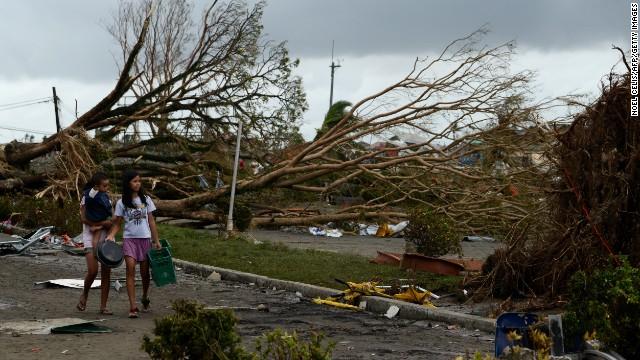'Worse than hell' in typhoon-ravaged Philippines  131109063311-05-typhoon-1109-horizontal-gallery